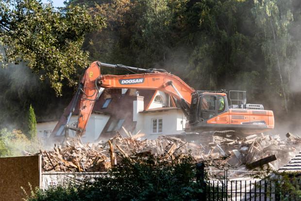 Kamienicę przy ul. Podhalańskiej zburzono pod koniec września.