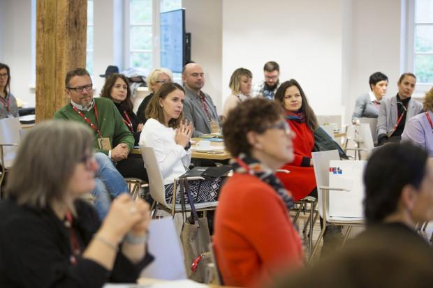 Podczas Forum Inicjowania Rozwoju odbywają się dyskusje, panele tematyczne i warsztaty, angażujące wszystkich uczestników.