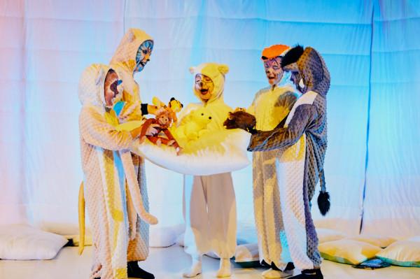 """""""Kra, kra, kra, czyli zwierzęta na lodzie"""" Teatr Komedii Valldal."""