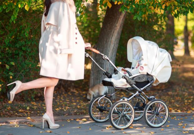 Wybór wózka dla dziecka to nie lada wyzwanie. Wiadomo, że najważniejsze jest bezpieczeństwo i komfort naszego dziecka, ale niektóre mamy kierują się czymś jeszcze - pięknym wyglądem i designem.
