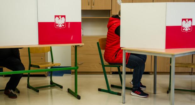 Wyniki wyborów z okręgu gdyńsko-słupskiego spłynęły do centrali PKW jako jedne z ostatnich.