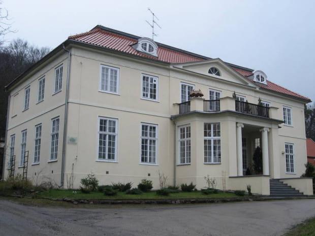 Dwór I, zwany Monbrillant, przy ul. Polanki.