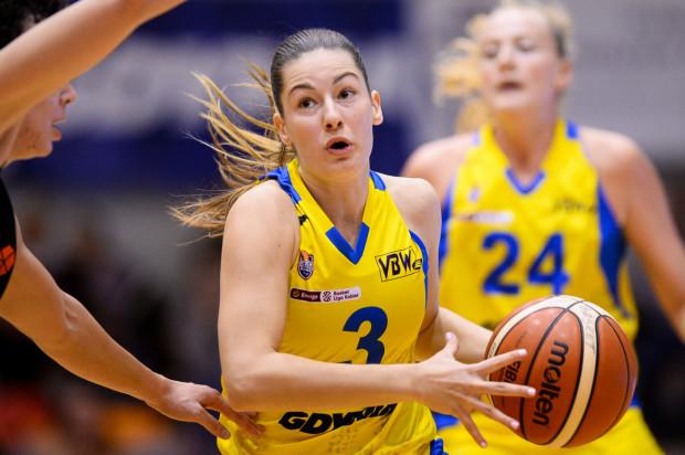 Angelika Slamova była najskuteczniejszą koszykarką Arki Gdynia we Włoszech. Po jej rzucie był jeszcze korzystny wynik 47:43...