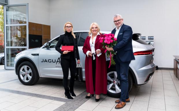 Oficjalne przekazanie kluczyków do Jaguara E-Pace.