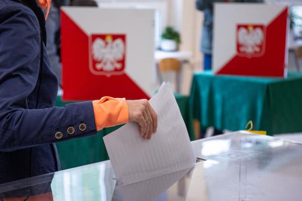 Wybory parlamentarne odbyły się 13 października. Właśnie trwa kompletowanie nowego składu rządu oraz m.in. wybór nowego marszałka Senatu