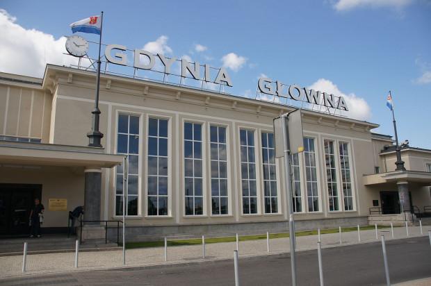 Dworzec PKP Gdynia Główna można zwiedzić z przewodnikiem.