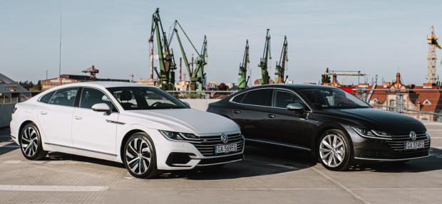 W ofercie wypożyczalni Uniqcar znajdują się dwa bogato wyposażone VW Arteony.