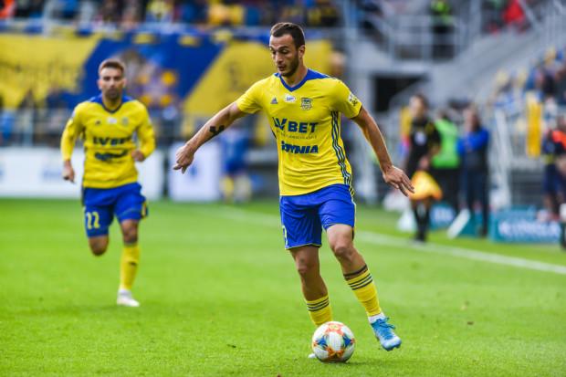 Davit Skhirtladze przychodził do Arki Gdynia jako ofensywny pomocnik. Piłkarz jednak sprawdził się jako napastnik, a po 13. kolejkach ekstraklasy jest najskuteczniejszym graczem żółto-niebieskich.