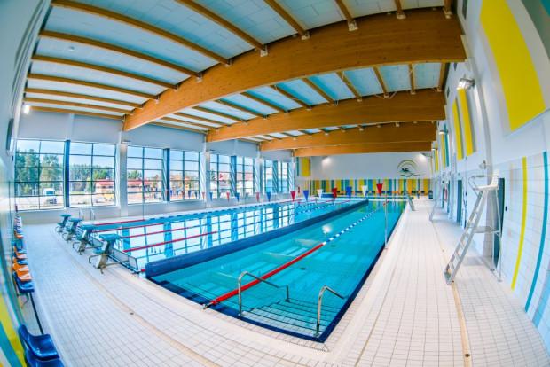 W Trójmieście jest wiele pływalni, z których w trakcie dni roboczych ciężko o dostępność w porannych godzinach.