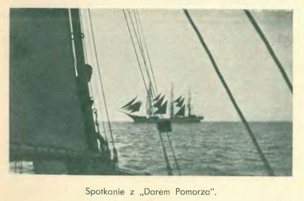 Podczas swojej podróży przez Atlantyk załoga jachtu Dal spotkała się m.in. z Darem Pomorza.