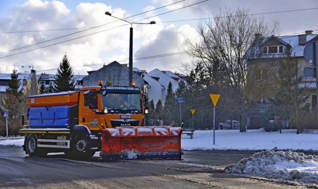 Zimowe utrzymanie dróg w Gdańsku, Gdyni i Sopocie pochłonie w tym roku w sumie kilkadziesiąt milionów złotych