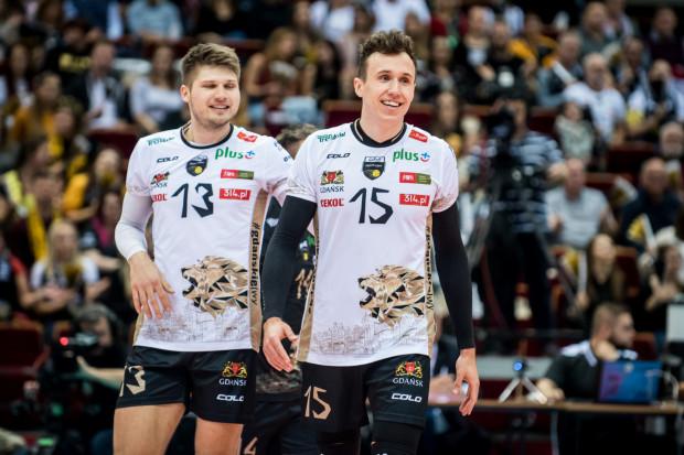 Paweł Halaba (z prawej) wraz z Bartoszem Filipiakiem są najskuteczniejszymi siatkarzami Trefla Gdańsk. Obaj mają już po 58 punktów.
