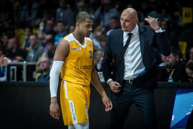 W Asseco Arka Gdynia zapowiadane są męskie rozmowy. Co powiedzą sobie na przykład trener Przemysław Frasunkiewicz i Josh Bostic?