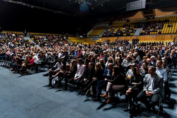 W wydarzeniu wzięło udział nieco ponad tysiąc widzów.