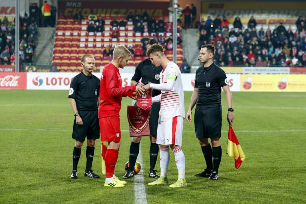 Tomasz Makowski (z lewej) był kapitanem reprezentacji Polski U-20 w wygranym meczu ze Szwajcarią 5:1 w ramach  Elite League. Pomocnik Lechii Gdańsk strzelił gola na 2:0.