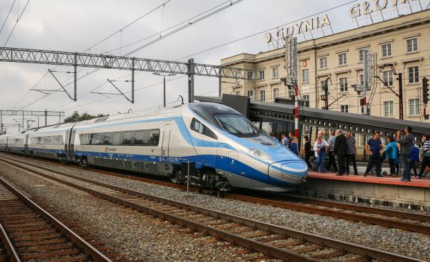 Nowy rozkład jazdy wejdzie w życie w połowie grudnia. W przypadku pociągów klasy EIP, obsługiwanych składami Pendolino, czas przejazdu nie ulegnie większym zmianom.