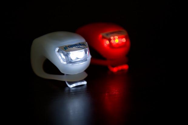 Oświetlenie roweru obowiązkowe jest tylko po zmroku.