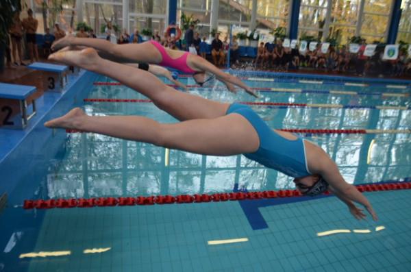 W sobotę w Gdyni odbędzie się pływacki festyn charytatywny, a w niedzielę w Sopocie runda amatorskich mistrzostw Polski.