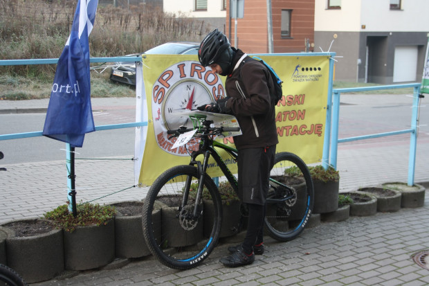 Spiros to impreza na orientację, w której można wystartować rowerem lub pieszo.
