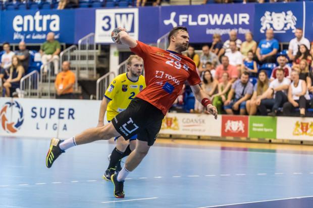 Mateusz Wróbel cieszy się z przełamania serii porażek Torus Wybrzeża Gdańsk. Czołowy strzelec PGNiG Superligi twierdzi jednak, że w sobotę zespół musi zagrać trzy razy lepiej niż w ostatnim, wygranym meczu.