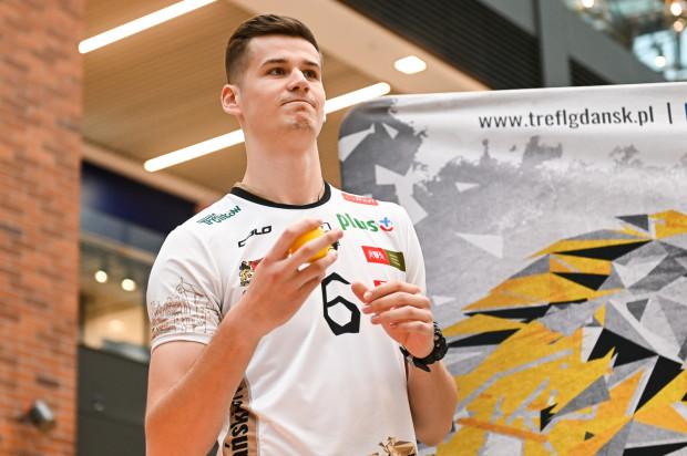 Szymon Jakubiszak w poprzednim meczu z Cuprum Lubin zdobył 17 punktów, co jest jego najlepszym wynikiem w dotychczasowej karierze.