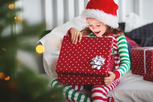 Nawet ze skromnym budżetem możemy dziecko przyjemnie zaskoczyć i sprawić mu radość.