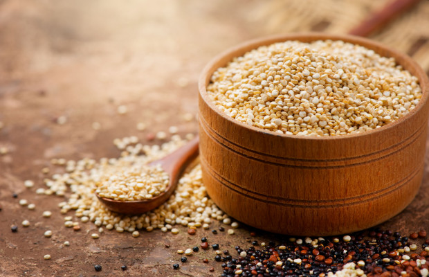 Quinoa na tle innych warzyw wyróżnia się bardzo wysoką zawartością wartościowego białka.