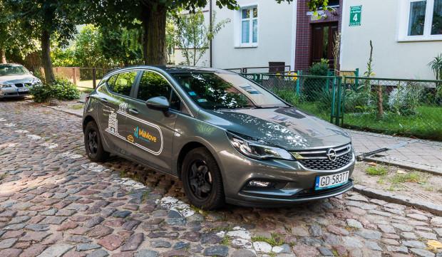 MiiMove to jedyna firma wywodząca się z Trójmiasta (Gdyni) i zarazem świadcząca usługi tylko w naszej aglomeracji. Traficar ma siedzibę w Krakowie, PanekCS oraz 4Mobility w Warszawie.