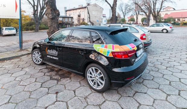 Audi A3 to samochód, który wypożyczymy w firmie 4Mobility. Granice strefy, gdzie możemy wypożyczać i oddawać samochód, jest jednak mocno ograniczona na tle konkurencji.