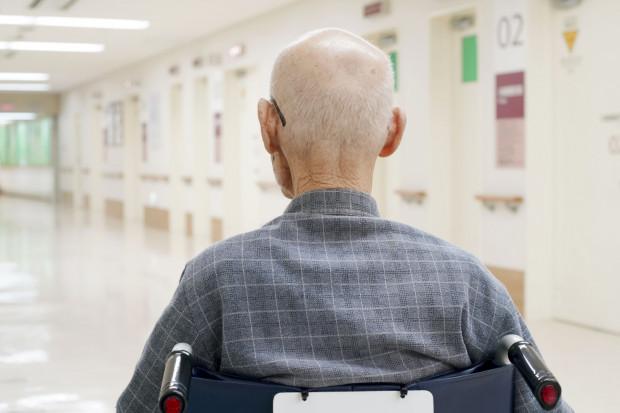 Przed świętami zdarzają się przypadki porzucenia seniorów w izbie przyjęć.