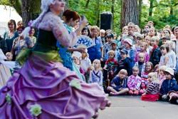 Mozartiana przyciąga do Parku Oliwskiego tłumy nie tylko dorosłych melomanów.