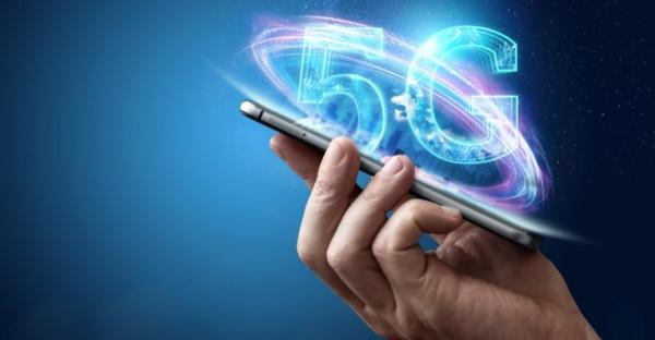 Technologia 5G pozwoli rozwijać tzw. internet rzeczy, czyli połączenie i współpracę w czasie rzeczywistym np. pomiędzy autonomicznymi samochodami.