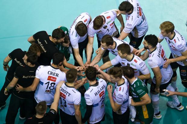 Siatkarze Trefla Gdańsk mieli szansę zainkasować w Suwałkach 3 punkty, ale ostatecznie wracają z jednym.