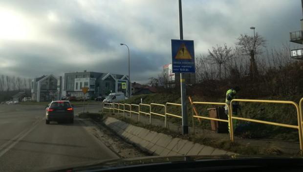 Mieszkańcy okolicy ul. Jabłoniowej podkreślają, że rondo dobrze wpływało na ruch w tym miejscu. Jego likwidacja doprowadziła do chaosu na drodze. 10 stycznia rondo ma wrócić.