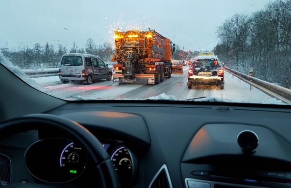 Kierowcy wyjeżdżający za granicę własnym autem nie mają obowiązku dodatkowo go doposażać.