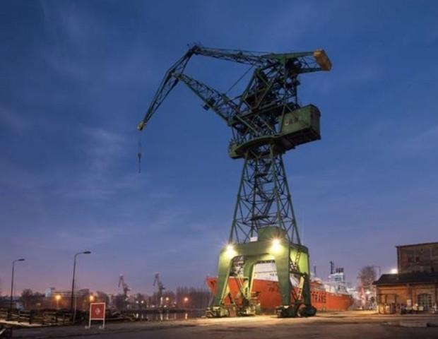 Operatorem Żurawia M3 oraz platformy widokowej jest Fundacja Społecznie Bezpieczni z Gdańska. Właścicielem Żurawia M3 jest Stocznia CesarskaDevelopment.