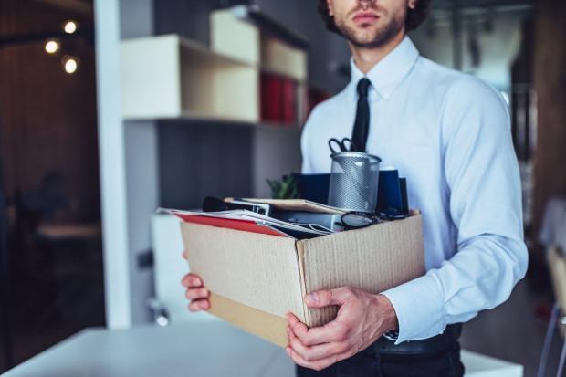 Pracodawca ma prawo udzielić pracownikowi urlopu (również zaległego) w okresie wypowiedzenia, a pracownik jest obowiązany ten urlop wykorzystać.