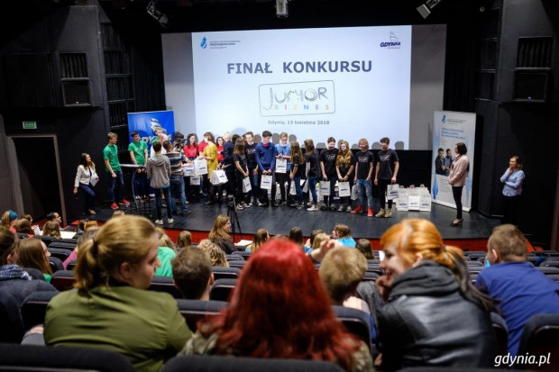 Laureaci jednej z poprzednich edycji konkursu Junior Biznes.