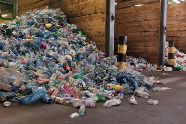 Zanieczyszczenie spowodowane plastikiem to globalny problem. Na zdjęciu: zakład utylizacyjny w Gdańsku.