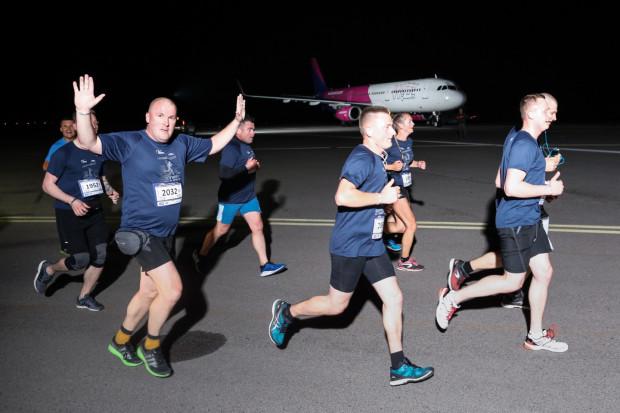 Liczba uczestników Skywayrun rośnie z każdym rokiem. W pierwszej edycji po pasie lotniska pobiegło 2 tys. osób. W czerwcu organizatorzy szykują się na przyjęcie 5 tys. biegaczy.