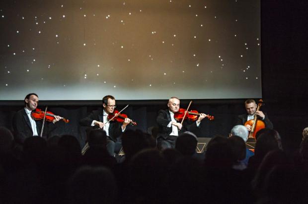 Gwiazdą trzeciego w tym roku Balu Gdańskiego była Grupa MoCarta (Filip Jaślar - skrzypce, Michał Sikorski - skrzypce, Paweł Kowaluk - altówka, Bolesław Błaszczyk - wiolonczela).