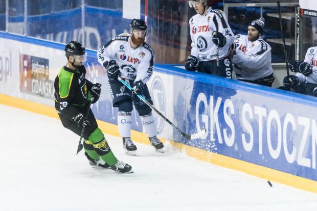 Vlastimil Bilcik w niedzielnym meczu zdobył jedyną bramkę dla Lotosu PKH Gdańsk. Gdańscy hokeiści przegrali z GKS Katowice 1:2.