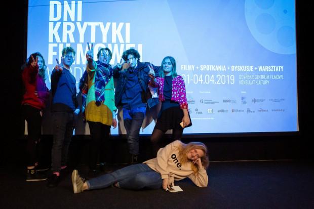 """Stowarzyszenie Hamulec Bezpieczeństwa otrzymało środki na dwa projekty - kontynuację Dni Krytyki Filmowej oraz """"Kino na skwerze""""."""