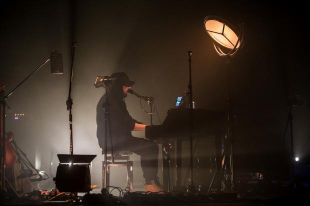 Poza piosenkami, które publiczność zna i lubi, zaprezentowano też przedpremierowo materiał z najnowszej płyty.