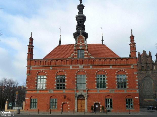 Ratusz Staromiejski, w którym mieści się siedziba Nadbałtyckiego Centrum Kultury. To tutaj rozpocznie się gra miejska z okazji 100. rocznicy zaślubin Polski z morzem.