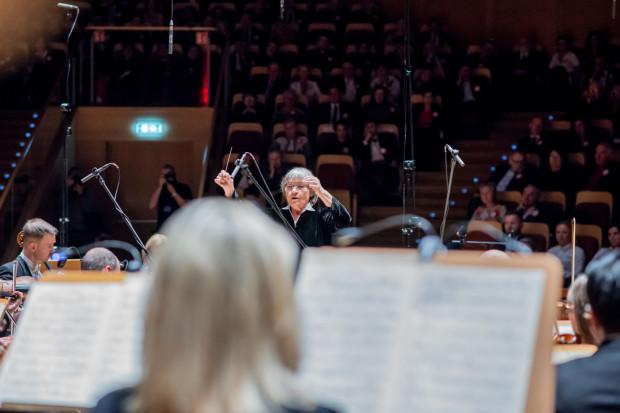 Orkiestrę Polskiej Filharmonii Bałtyckiej fantastycznie poprowadziła Agnieszka Duczmal.