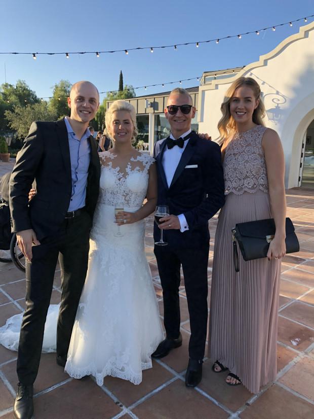 Przed rokiem Jacob Thorssell (pierwszy z lewej) trenował m.in. w Hiszpanii. Tej zimy odwiedził ten kraj w innym celu, jako gość na weselu Fredrika Lindgrena (drugi z prawej).
