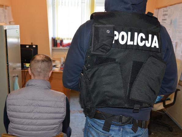 Ukradł paliwo ze stacji 17.02.2020. 40-letni mieszkaniec Gdańska został zatrzymany przez policję dwa dni po kradzieży.