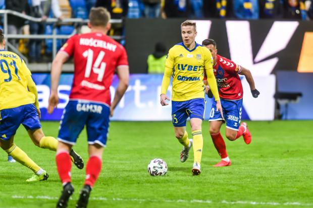Michał Kopczyński jest piątym piłkarzem, który zadebiutował w Arce Gdynia wiosną 2020 roku, a zarazem pierwszym w tym gronie środkowym pomocnikiem.