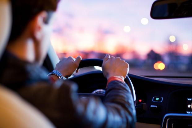 Kierowcy LuxDriver zaopiekują się twoim samochodem i odstawią go pod wskazany adres.